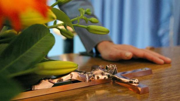 """Résultat de recherche d'images pour """"funérailles chrétiennes"""""""