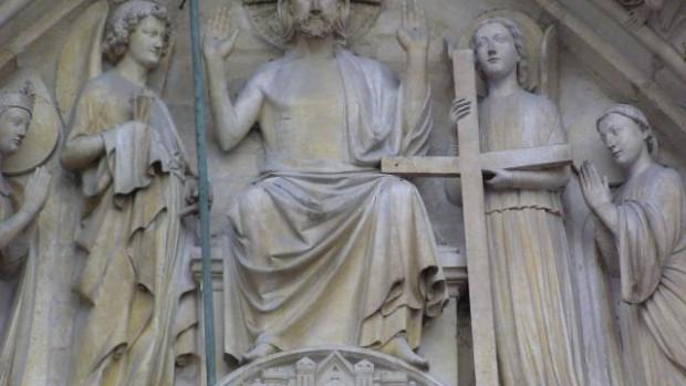 Christ sur portail