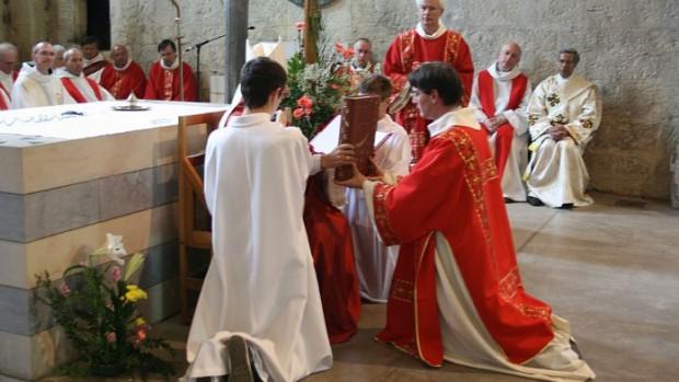 """Résultat de recherche d'images pour """"ordination diaconale aix"""""""