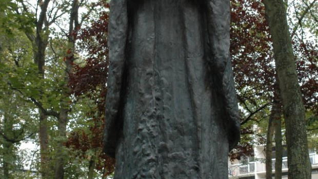 jerzy_popieluszko_statue