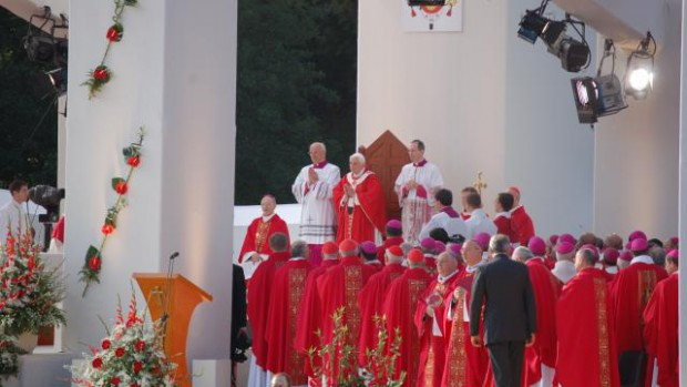 messe lourdes 14 septembre