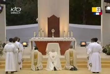 Lourdes Procession eucharistique