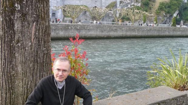 Mgr Jean-Pierre Batut AP Lourdes avril 2009 largeur